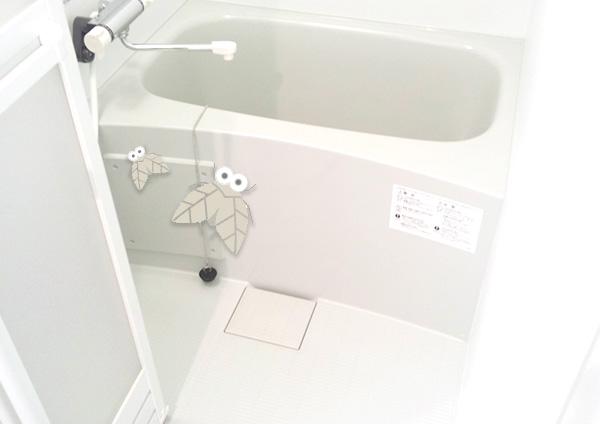 浴槽下のエプロン内部や浴室の排水口など